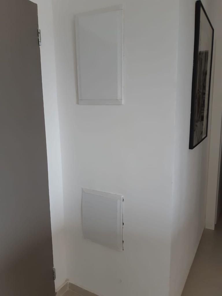 כיסוי פלסטיק ארון חשמל